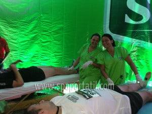 masaje-camillas-eventos-caracas-fisioterapeutas-carrera-energizer-shick-2013-(27)